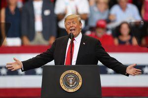 TT Trump gây sốc với quảng cáo phân biệt chủng tộc trước bầu cử
