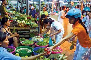 Tìm giải pháp nâng cấp chợ truyền thống tại Hà Nội