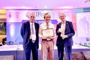 GS.TSKH Lưu Duẩn nhận giải thưởng Thành tựu trọn đời của IUFoST