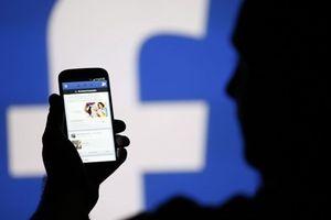 Bị đuổi học vì nói xấu thầy cô trên Facebook: Cô giáo tự ý mở điện thoại của học sinh có sai?
