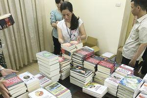 Sách lậu 'Đắc nhân tâm', 'Hạt giống tâm hồn' bán tràn lan ở các tỉnh phía Bắc