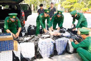 Bắt vụ vận chuyển hơn 11 ngàn gói thuốc lá ngoại