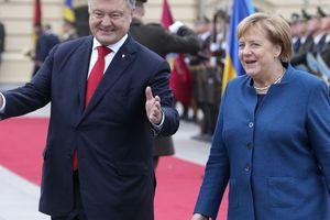 Bà Merkel tới Ukraine để nói về chiến tranh và khí đốt