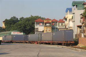 Khám xét 5 container nghi chứa hàng cấm tại ga Yên Viên, Hà Nội