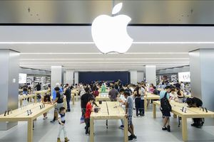 'Gã khổng lồ' Apple đạt doanh thu, lợi nhuận kỷ lục