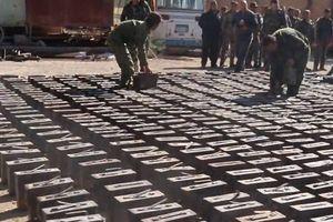 Syria: Bên trong kho vũ khí khổng lồ của IS mới được phát hiện ở Deir Ezzor
