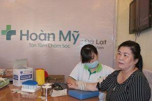 Hàng 100 người dân Đà Lạt được khám bệnh miễn phí
