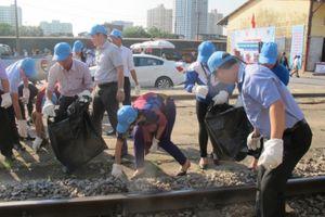 Ra quân tháng hành động vì môi trường đường sắt