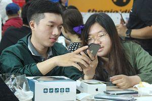 iPhone chính hãng gây sốt Việt Nam ngay khi lên kệ, nhận gần 10.000 đơn đặt trước