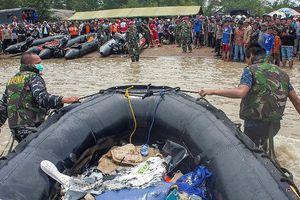 Indonesia nối lại tìm kiếm hộp đen thứ 2 của chiếc máy bay gặp nạn