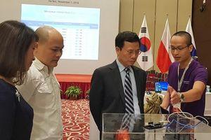 Bộ trưởng Nguyễn Mạnh Hùng: Đội ngũ hacker mũ trắng đang làm thế giới thịnh vượng hơn