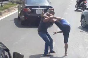 Va chạm giao thông, một người bị đâm chết ở TP.HCM