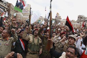 Phiến quân Houthis thừa nhận tấn công căn cứ không quân Saudi để đáp trả các cuộc không kích