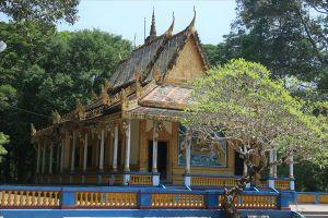 Kỳ lạ: Ngôi chùa xây mộ để chôn cất loài heo 'quái thai'