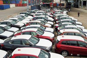 Chưa xử vụ buôn lậu 133 xe BMW: Bị cáo sinh con