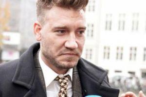 SỐC: Cựu sao Arsenal bị phạt tù do đánh người vì 'tiếc tiền'.