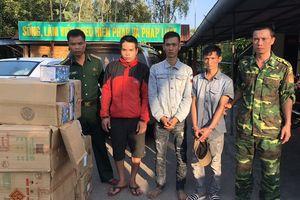 Gần 3 tạ pháo lậu bị bắt ở vùng biên giới Hướng Hóa