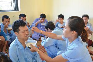 Cách chăm sóc bệnh nhân có hoang tưởng