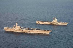Đọ sức mạnh hai tàu sân bay hạt nhân mạnh nhất hành tinh