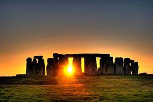 Bí mật thách thức cả thiên tài của bãi đá cổ Stonehenge