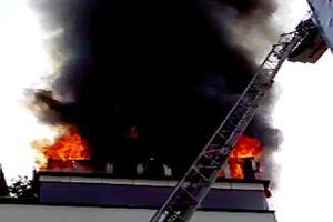 Khách sạn 4 sao gần chợ Bến Thành cháy ngùn ngụt, nhiều khách Tây kéo vali tháo chạy