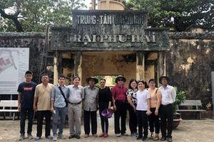 Các hội viên - nhà báo Hội Nhà báo Đắk Lắk đi thực tế tại Côn Đảo
