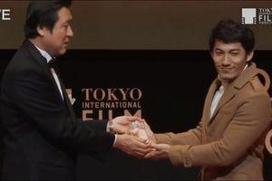 Liên Bỉnh Phát nhận giải tại LHP Quốc tế Tokyo nhờ vai diễn trong 'Song Lang'