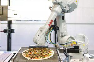 SoftBank rót 375 triệu USD cho hãng làm bánh pizza bằng robot