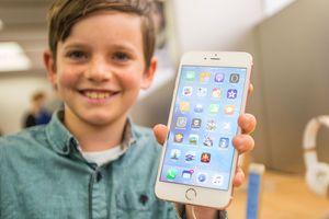 Bạn sẽ mất đến… 7 tỉ đồng cả đời nếu liên tiếp nâng cấp iPhone