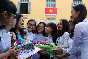 Liên đoàn lao động hết tiền, các trường ở Phú Quốc tự lo chào mừng 20.11