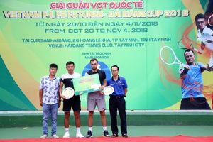 Lý Hoàng Nam về nhì ở nội dung đôi nam quần vợt nhà nghề Tây Ninh