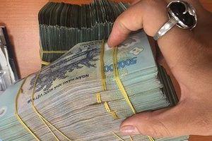 Chiếm đoạt 600 triệu đồng khi đi nộp tiền cho công nhân