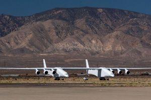 Máy bay có kích thước lớn nhất thế giới gần hoàn thiện