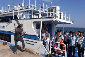Kiên Giang: Tiếp nhận tàu cao tốc cứu nạn chịu sóng cấp 6