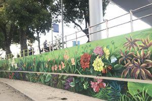 Độc đáo tranh tường 'Hà Nội 12 mùa hoa'