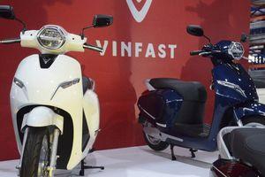 Đi xe máy hết xăng còn có chỗ bơm, đi xe điện VinFast hết pin giữa đường thì làm sao?