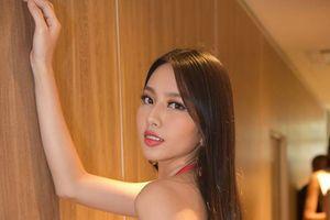 Miss International 2018: Đại diện Việt Nam lộ đùi to trong phần trình diễn bikini