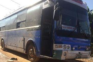 Điều tra vụ học sinh bị xe đưa đón cán tử vong tại Nghệ An