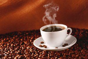 Uống cà phê nóng tốt hơn cà phê lạnh?