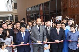 Thủ tướng Pháp tham dự lễ khánh thành cơ sở mới của trường Alexandre Yersin