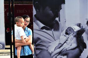 Những khoảnh khắc 'Chào con đến với bố mẹ' ở Sài Gòn