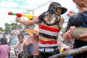 Dù chỉ là dân tộc thiểu số nhưng những lễ hội này vẫn thu hút cực nhiều du khách