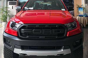 Ford Ranger Raptor màu đỏ giá gần 1,2 tỷ tại Đà thành