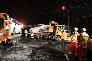 Tai nạn liên hoàn trên cao tốc, ít nhất 15 người thiệt mạng