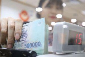 Tài chính tuần qua: Một ngân hàng được nới room tín dụng, hàng loạt ngân hàng thấp thỏm