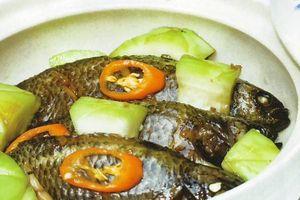 Cách làm cá rô kho bầu lạ miệng cho bữa com cuối tuần
