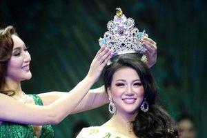 Tân Hoa hậu Trái đất chia sẻ bí quyết giữ 'vòng eo con kiến'