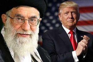 Iran nói gì trước hạn cuối lệnh trừng phạt dầu mỏ từ Mỹ?