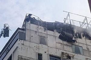 Cháy khách sạn ở khu trung tâm TP.HCM: Công an mời 3 thợ hàn đến làm việc