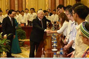 Tổng Bí thư, Chủ tịch nước Nguyễn Phú Trọng: Học sinh, sinh viên cần có cả đức và tài